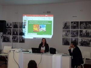 Conferencia en Escuela de Emprendimiento